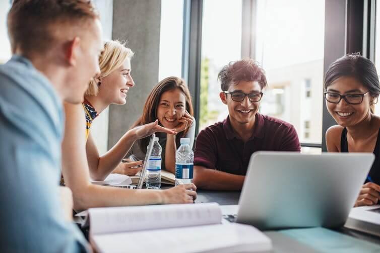 Những lợi ích từ việc học trực tuyến mang lại