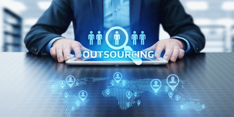 công ty outsourcing mona